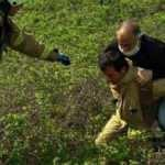 Beylikdüzü'nde dikenli çalılıkta mahsur kalan kişiyi itfaiye kurtardı