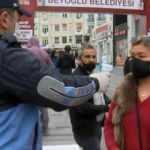 Taksim Meydanı ve İstiklal Caddesi'nde maske denetimi başladı