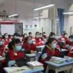 Vietnam'da okullar 3 ay sonra açıldı