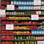 YTB'den Almanya'da Türklerin oluşturduğu 'Sadaka Dolabı'na 3 tonluk gıda yardımı