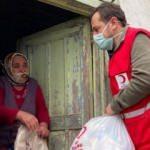 Emre Belözoğlu, Trabzon'da yardım dağıttı