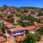 Hayalet köy Adatepe, mimarisini koruyor