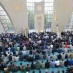 Diyanet ve ilahiyatçılardan bayram namazı açıklaması!