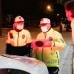 Durdurulan otomobilde silah, sürücüsü de ehliyetsiz çıktı