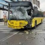 İETT otobüsü ile sulama tankeri çarpıştı: Yaralılar var