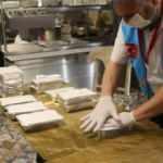 İnsan Vakfı'ndan sıcak yemek dağıtımı