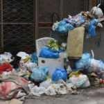 İzmir'de çöp dağları yükseliyor! Vatandaş isyan etti
