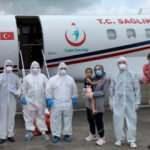 Koronavirüse yakalanan Türk vatandaşı kadın ve ailesi Bangladeş'ten yurda getirildi