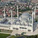 Çamlıca Camii, Cuma namazına hazırlanıyor