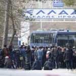 Yunanistan sınır kapısını kapattı!