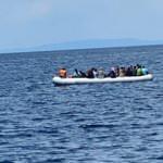 Yunanistan'ın kaderine terk ettiği 40 göçmen ölümden kurtarıldı