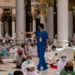 İbadete açılan Mescid-i Nebevi'de 100 bin kişi cuma namazını kıldı
