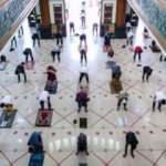 Cakarta'da 2 ay sonra ilk cuma namazı