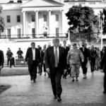 Eylemler devam ederken Trump'tan Washington sokaklarında askerler ile gövde gösterisi