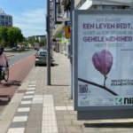 Hollanda'da koronavirüsle mücadele için duraklara ayetler asıldı