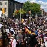 Kanada'da binlerce kişi ırkçılığı protesto ediyor