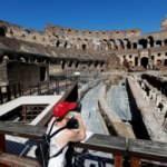 Roma'nın simgesi Kolezyum 84 gün sonra ziyaretçilere açıldı