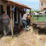 30 metrekare evden 15 ton çöp çıkarıldı