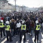 İsveç'teki Floyd protestolarında 30 araç ateşe verildi