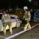 Pendik'te iki otomobil çarpıştı: 3'ü ağır 4 kişi yaralandı