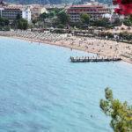 Ege'nin 'yeryüzü cenneti' mavi bayraklı plajlarıyla tatilcileri bekliyor