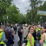 Fransa'da Sarı Yelekliler 2 ay sonra yeniden sokağa döküldü