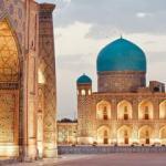 Özbekistan'da yerli turistler Buhara'ya akın etti