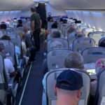 """Uçakta korona paniği! """"Nefes alamıyorum"""" diyerek bağırdı"""