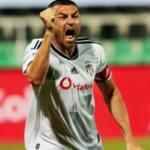 Burak Yılmaz: Futbolu Beşiktaş'ta bırakacağım