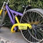 Otomobil lastiğini bisikletine taktı, görenler gözlerine inanamadı