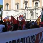 Tüzyılın işgal planı talya'da protesto edildi