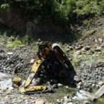 2 işçinin öldüğü heyelanda iş makineleri 300 metre yuvarlanmış