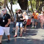 Antalya aylar sonra ilk yabancı turist kafilesini ağırladı