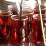 'Çay bayat' dedi, servis yapan öğretmeni vurdu