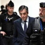 Eski Fransa Başbakanı Fillon'a yolsuzluktan hapis cezası