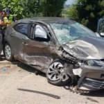 Hatalı sollama kazası: 1'i bebek, 1'i çocuk 5 kişi yaralandı