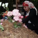 Yok böyle acı! Kızının mezarı başında her gün gözyaşı döküyor