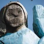 Melania Trump heykeli ateşe verildi