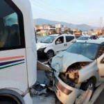 Otomobil yolcu minibüsüne çarptı: 7 yaralı