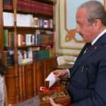Minik öğrencinin anlamlı bağışına Meclis Başkanı Şentop'tan anlamlı hediye