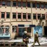 Zeytinburnu'nda trafo yandı, sokağın elektriği kesildi