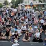 İsrail'de binlerce kişi Başbakan Netanyahu'yu protesto etti