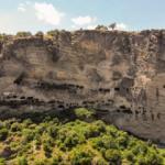 Dağın içi oyularak yapılan İnönü Mağaraları tarihiyle hayran bırakıyor