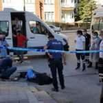 Minibüste korku dolu anlar: Kan kusunca indi, kaldırımda hayatını kaybetti