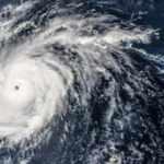 Isaias Kasırgası Kuzey Carolina'ya ulaştı: Acil durum ilan edildi