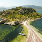 Ortasında kuş cenneti bulunan Bafa Gölü