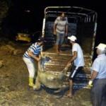 Taksi sürüye çarptı: 3 kişi yaralandı, 18 koyun telef oldu