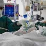Tümörlü akciğer operasyonla temizlendikten sonra yeniden nakledildi