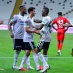 Beşiktaş Antalyaspor karşısında farka gitti!