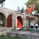 Tarihi ve modernliği birleştiren turizm merkezi: Tiran Kalesi